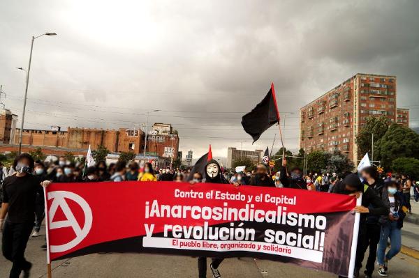Anarchosyndikalist*innen der ULET-IAA beim Generalstreik 2021